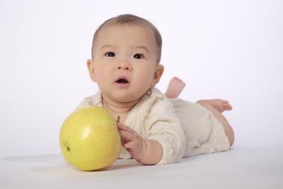 りんごと赤ちゃん